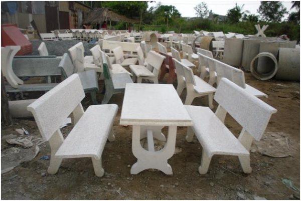 mua bàn ghế đá sân thượng