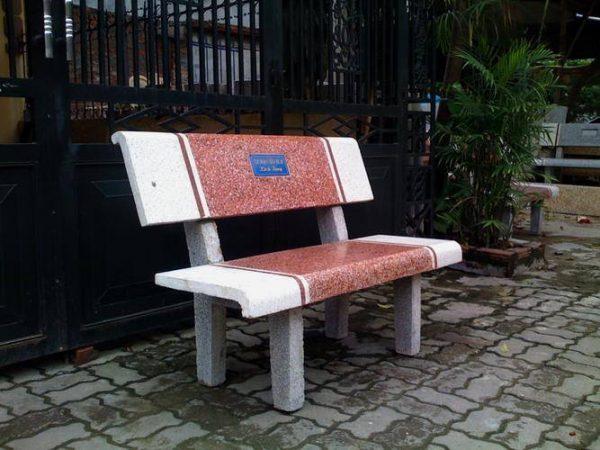 bàn ghế đá bệnh viện