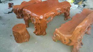 bàn ghế đá giả gỗ mlg