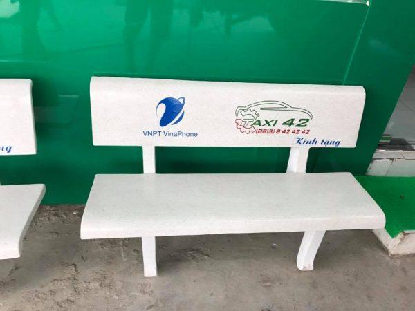 bàn ghế đá sân trường