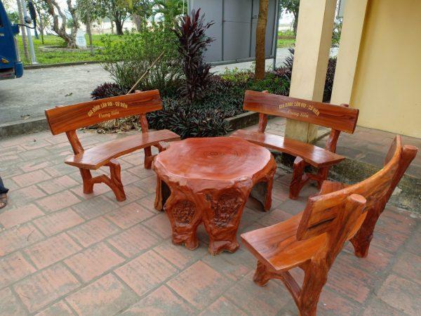 bàn ghế giả gỗ đen t56