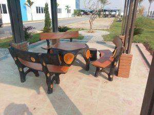 bàn ghế xi măng giả gỗ 8