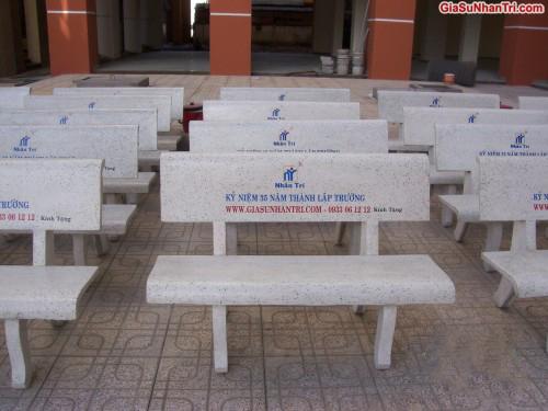 ghế đá sân trường hà nội