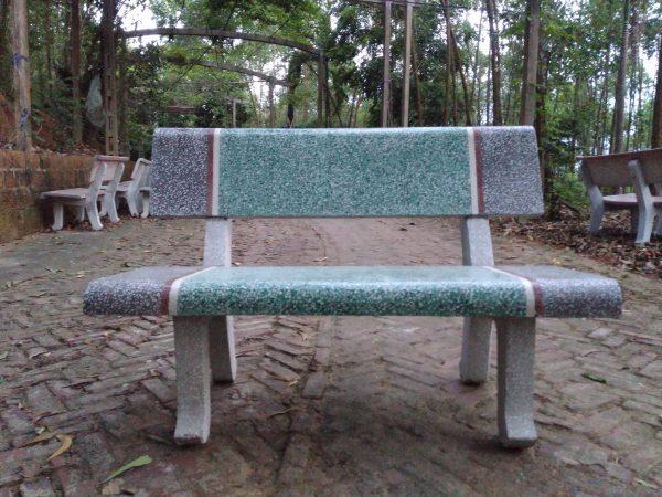 ghế đá công viên màu xanh xám
