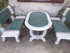 Bảo dưỡng bàn ghế đá ngoài trời đúng cách