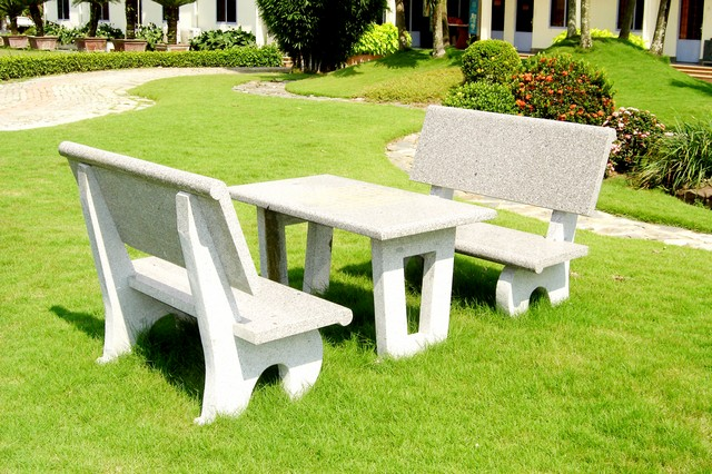bàn ghế đá sân vườn chất lượng