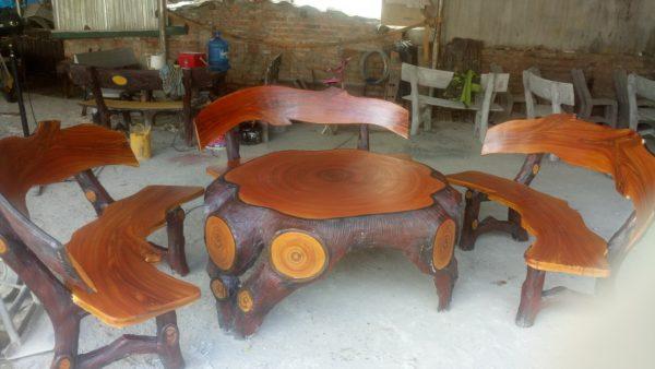 bàn ghế đá giả gỗ lũa