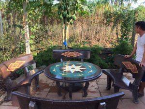 bàn ghế đá granito cong 1