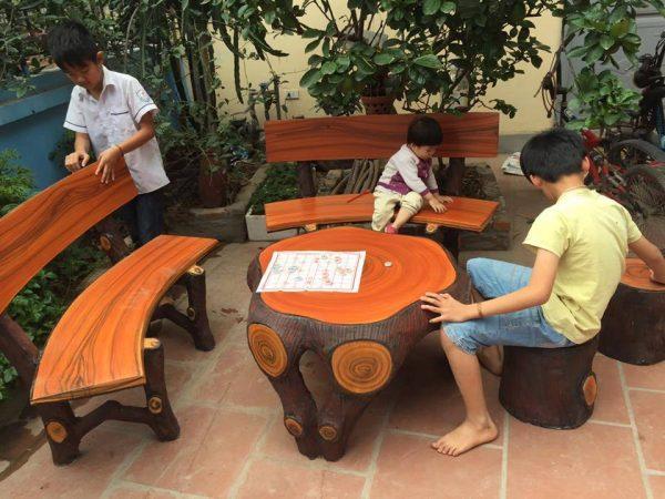 bộ bàn ghế xi măng giả gỗ sang