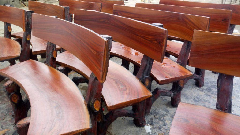 bàn ghế xi măng giả gỗ 213