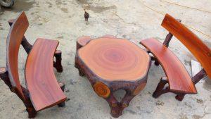 bàn ghế đá giả gỗ 351