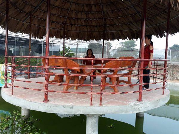 bàn ghế giả gỗ