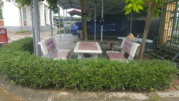 bàn ghế đá granito 214