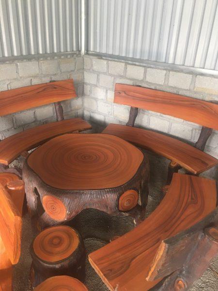 bàn ghế giả gỗ rẻ