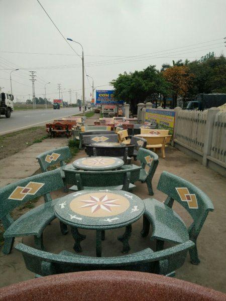 bàn ghế đá cong