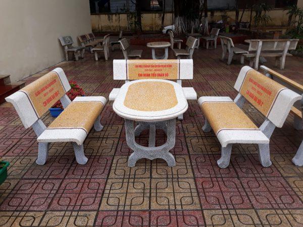 bàn ghế đá hải dương