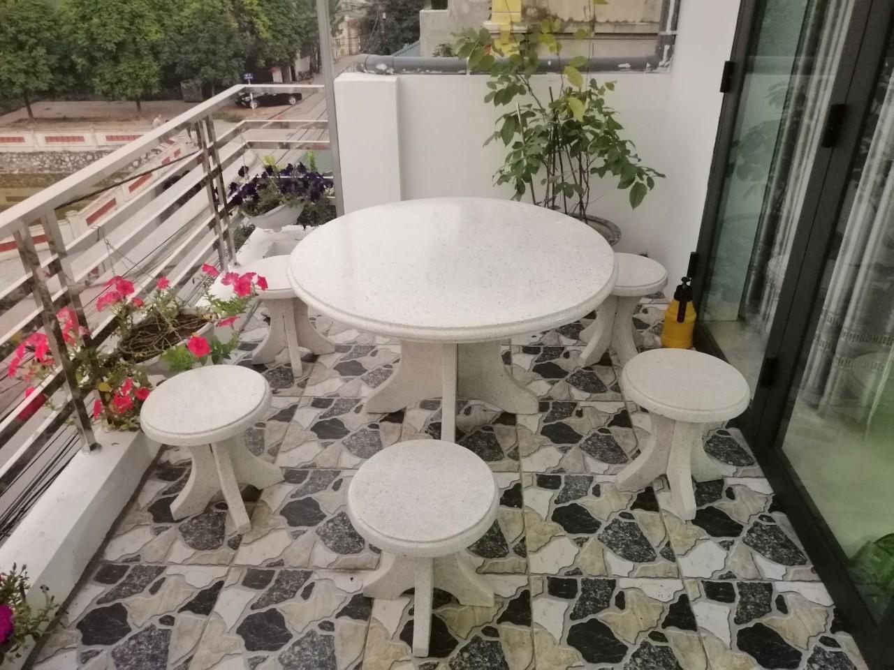 bàn ghế đá granito ngoài trời 1