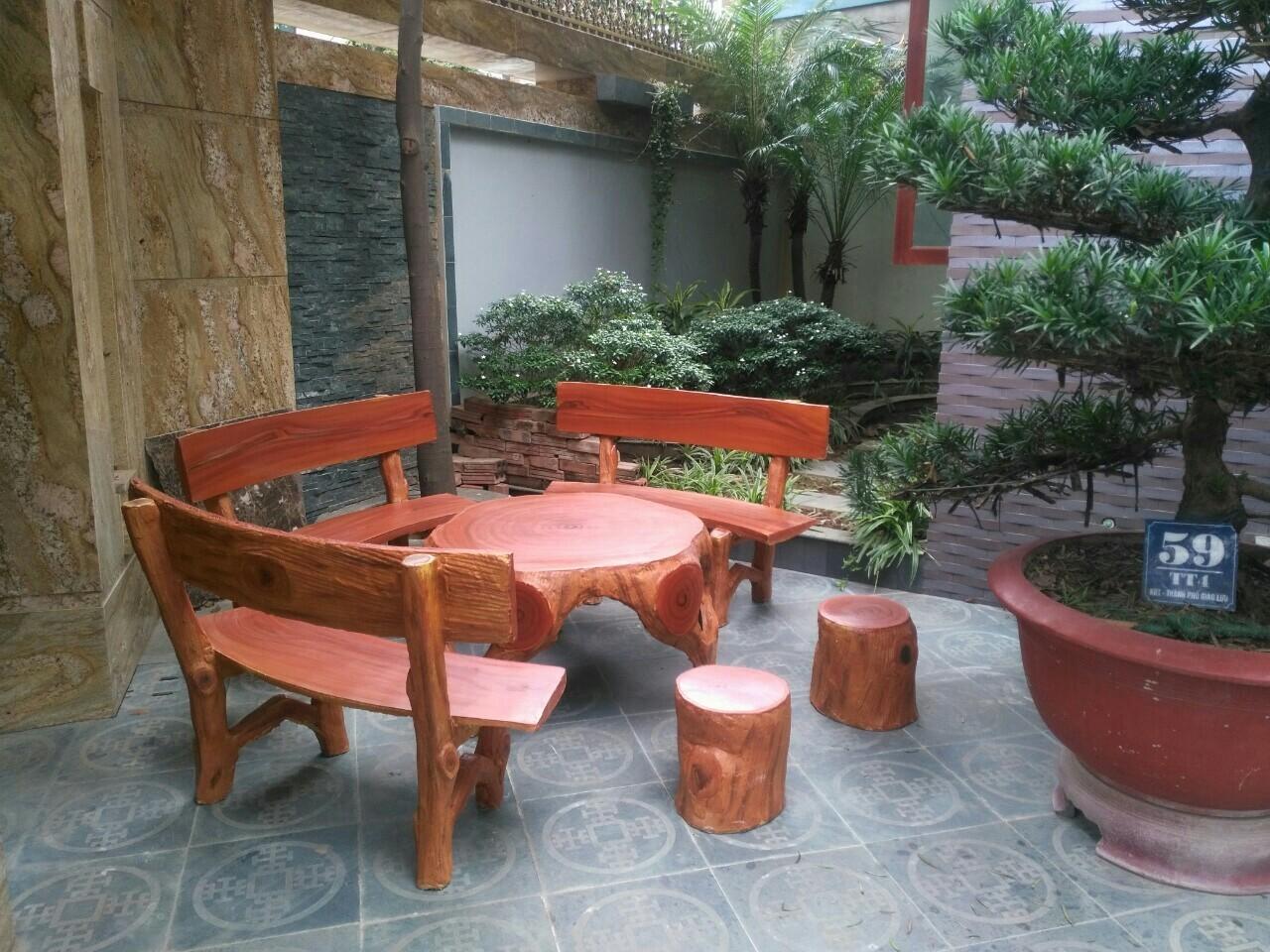 bàn ghế xi măng giả gỗ đẹp 03