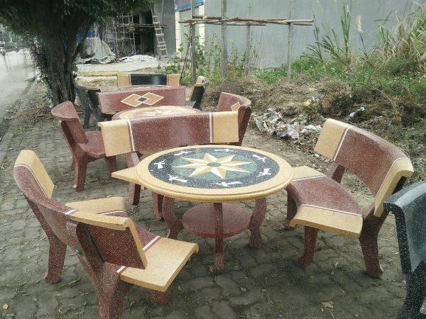 mua bàn ghế granito