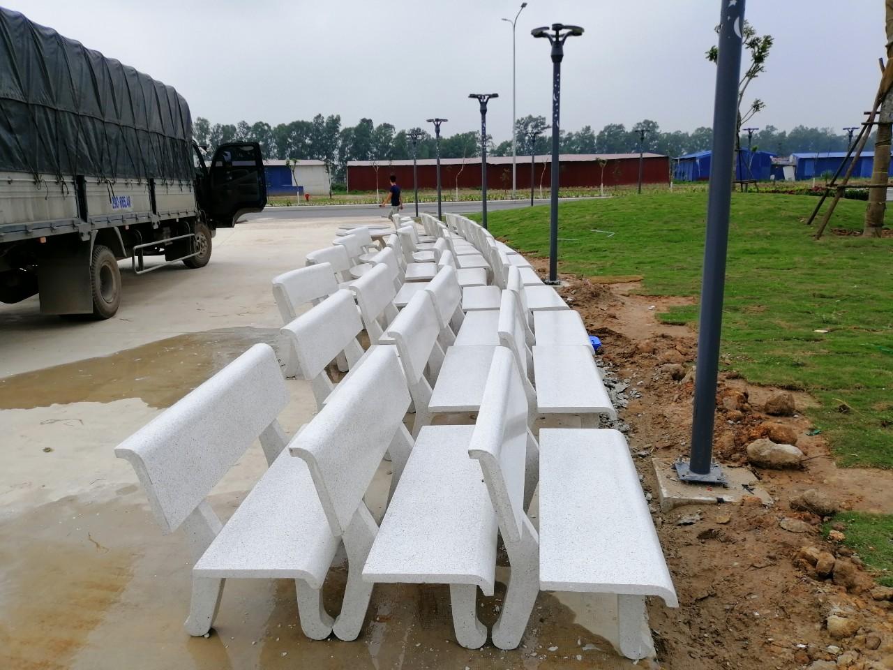 bàn ghế đá Phú Thọ