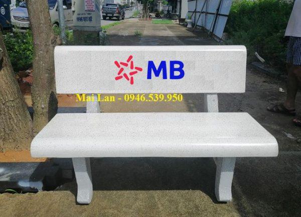 ghế đá ngân hàng MB