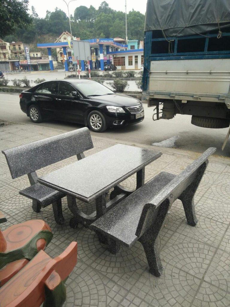 bàn ghế đá ghi