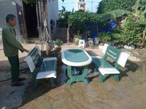 bàn ghế đá trắng xanh 2 mặt